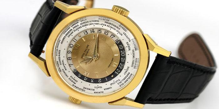 Patek Philippe 1953 Model 2523 Heures Universelles Watch: US$2,899,373.