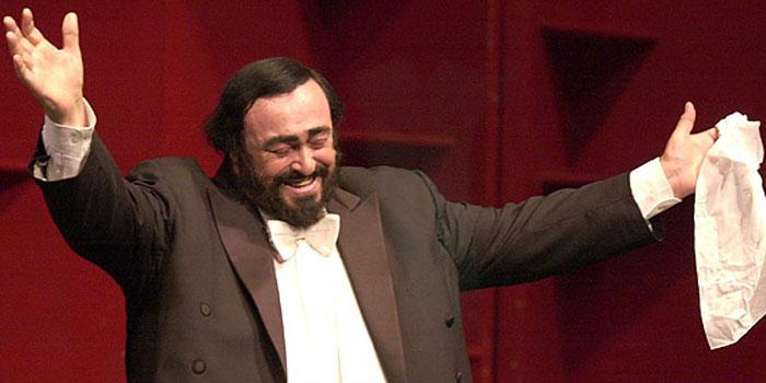 Luciano Pavarotti (1935-2007).