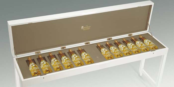 Perrier-Jouët champagnes.