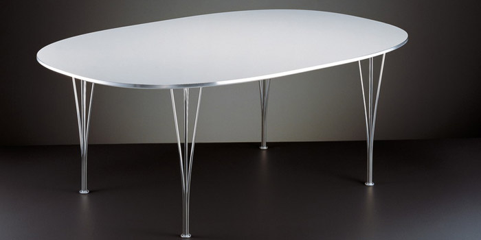Super elliptical table B613 by Piet Hein & Bruno Mathsson: €2,517.