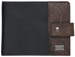Replay Men's leather wallet: US$98.
