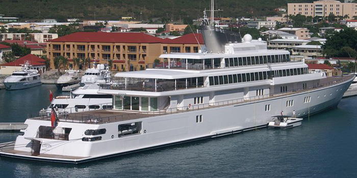 Rising Sun - the world's tenth largest yacht: 453 ft / 138 m / US$200 mio.