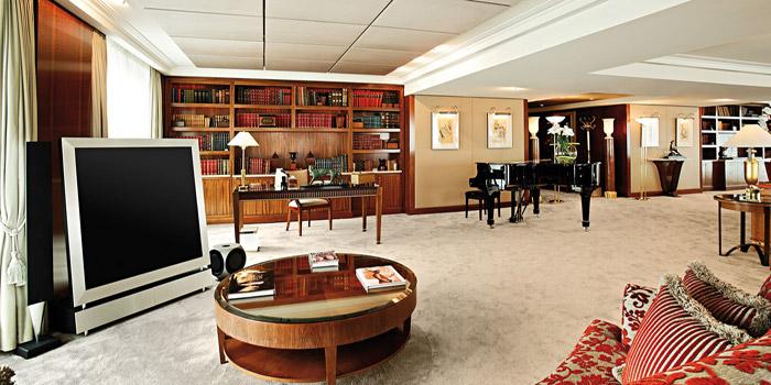 World's most expensive hotel suite: US$85,000 per night: the Royal Penthouse Suite at Hôtel Président Wilson, 47 Quai Wilson, 1211 Genève 21, Switzerland.