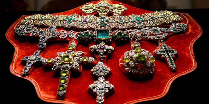 Treasure of San Gennaro | Naples's Treasure - said to rival Britain's Crown Jewels and those of the Russian tsars in value.