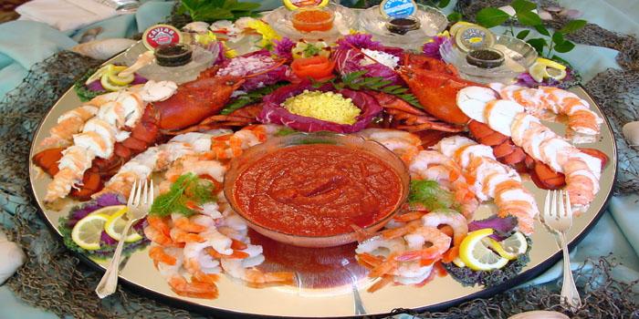 Grilled seafood platter.