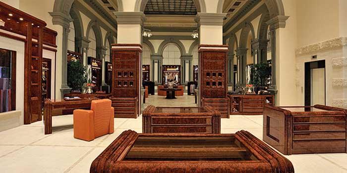 Stefano Ricci flagship store: Palazzo Tornabuoni, Via dei Pescioni 1, 50123 Florence, Italy.