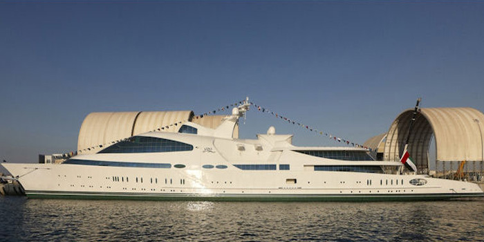 Yas - the world's eighth largest yacht: 463 ft / 141 m.