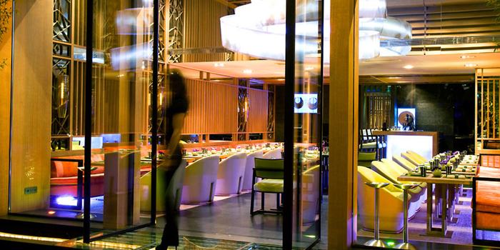 Yoshi at Hôtel Metropole, Monte-Carlo. Joël Robuchon's first Japanese restaurant with modern cuisine created by the Japanese chef Takéo Yamazaki.