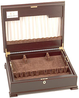 Arthur Price of England Monarch cutlery cabinet: £375.