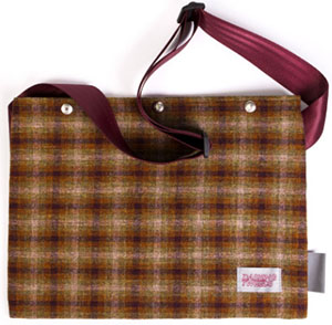 Dashing Tweeds Harris Large British Musette with Adjustable straps: £85.
