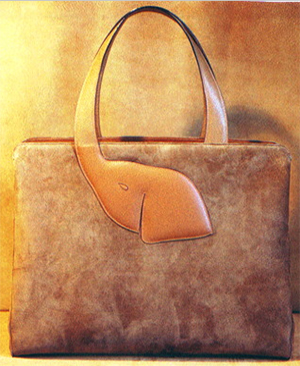 Florence Leather Market women's Shoulder Bag in Smooth Leather: €212.28.