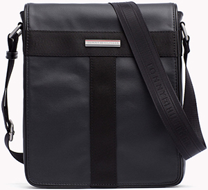 Tommy Hilfiger Coated Canvas Slim Reporter men's bag: €99.90.
