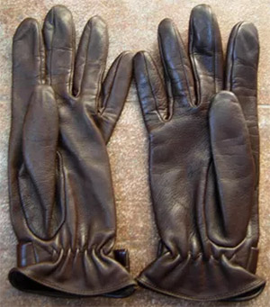 Paule Ka Women's Gloves: €120.