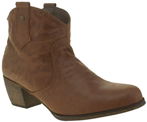 Red or Dead women's tan mountain boots: £78.