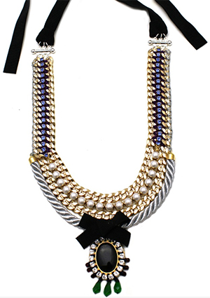Tala Alamuddin necklace.