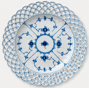 Royal Copenhagen Blue Fluted Full Lace plate: US$625.