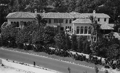 El Solano, 720 South Ocean Boulevard, Palm Beach, FL 33480, U.S.A. Designed by Addison Mizner in 1919.
