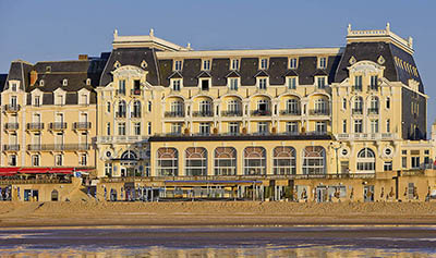 Le Grand Hôtel Cabourg - MGallery By Sofitel, Jardin du Casino, 14390 Cabourg.