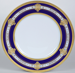 Royal Limoges Rocroy dinner plate: €1,200.