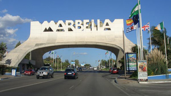 Click on the photo to check out our complete INSIDER'S GUIDE TO MARBELLA & PUERTO BANÚS's best bars, beach clubs, beaches, cafés, golf, hotels, lounges, media, museums, nightclubs, nightlife & restaurants.