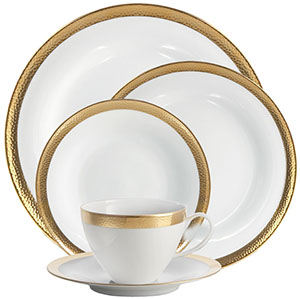 Michael Aram Goldsmith 5-Piece Place Setting: US$200.